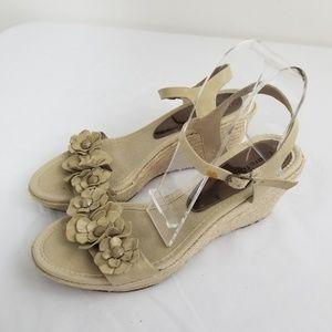 Bare Traps Sz 9.5 M Wedge Sandal Tease